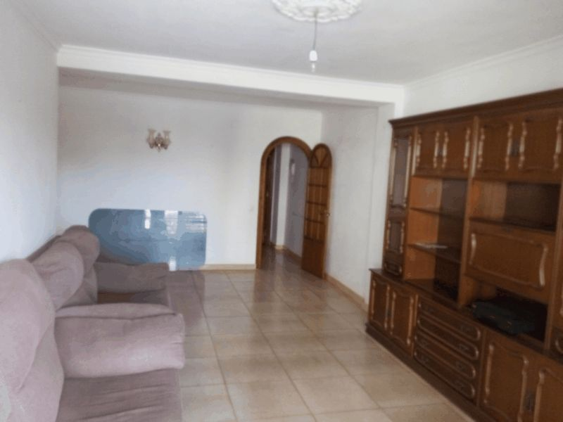 APARTMENT IN FUENGIROLA, 4 Beds - 1 Bath, Built: 125m2, €125.000